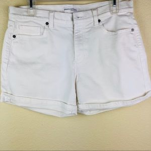 Banana Republic White Denim Roll Up Shorts Size 28